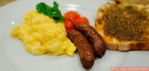 Scrambled Eggs with Arabic Sausage and Za'atar Toast recipe, Dubai, UAE. Copyright 2014 Terence Carter / Grantourismo. All Rights Reserved.