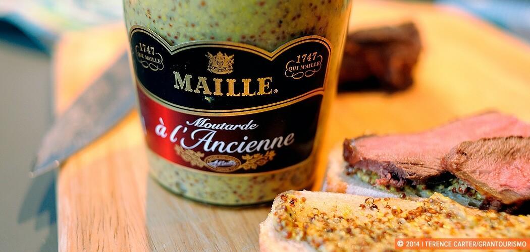 Maille Moutarde a l'Ancienne, Paris, France. Price Check: a Pari