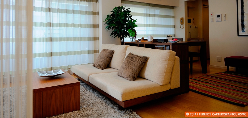 Holiday Rental Apartment, Tokyo, Japan. Copyright 2014 Terence Carter / Grantourismo. All Rights Reserved.