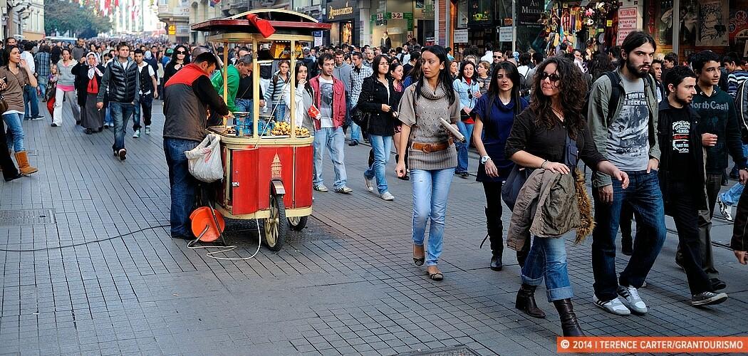 Afternoon stroll, İstiklâl Caddesi, Istanbul, Turkey.