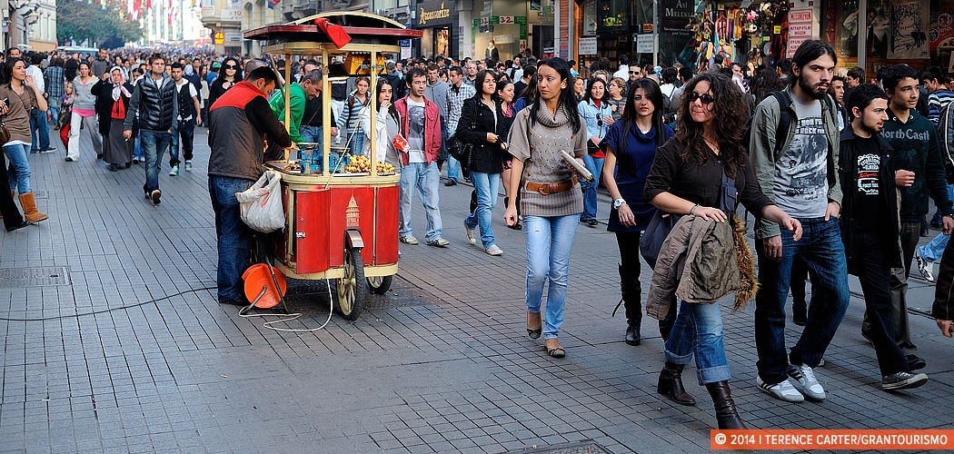 Afternoon stroll, İstiklâl Caddesi, Istanbul, Turkey. Copyright 2014 Terence Carter / Grantourismo. All Rights Reserved. Taksim to Tünel and Galata