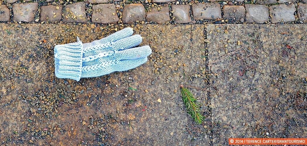 A single winter glove, Berlin, Germany.
