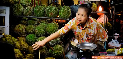 Durian is Hot, Mango is Not – Don't Miss The Durian Lady in Chinatown Bangkok