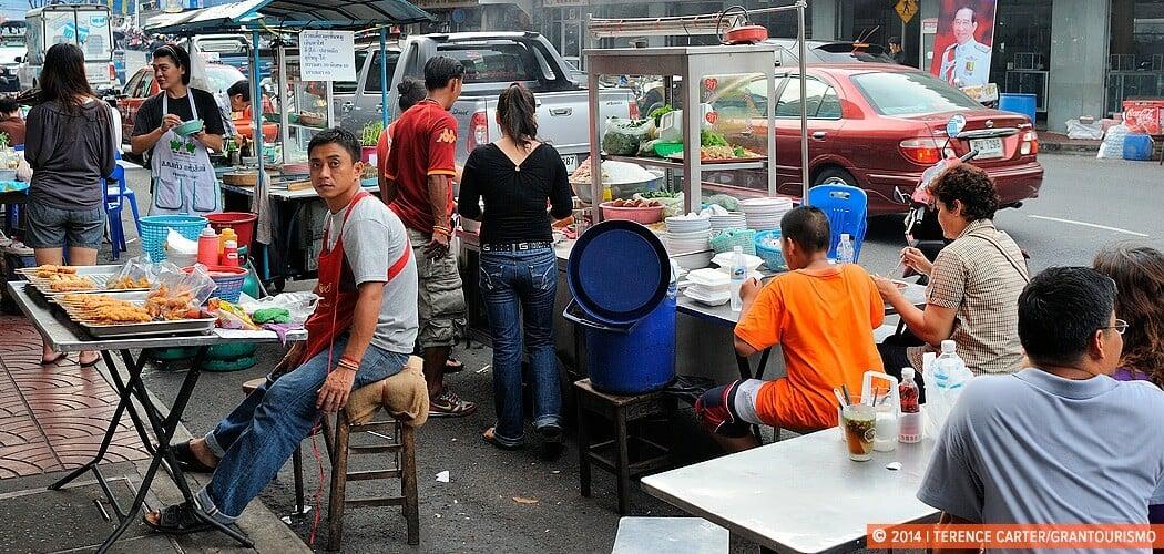 Street Food, Bangkok. Footpath Feasting: Tips to Eating Street F
