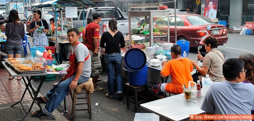 Eating Street Food Safely – Footpath Feasting Street Food Guide