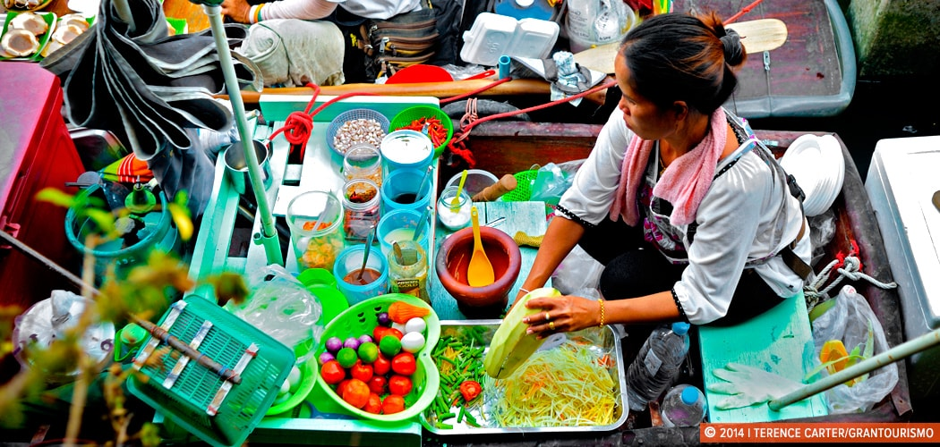 Worlds best food tours. Floating Markets, Bangkok. Copyright 2014 Terence Carter / Grantourismo. All Rights Reserved.