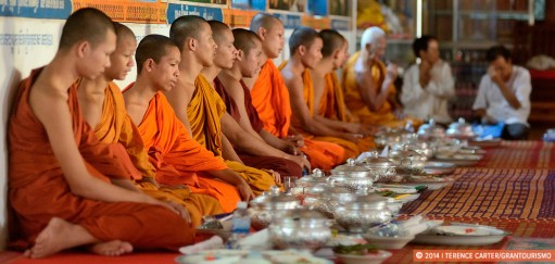 Feeding The Hungry Ghosts During Pchum Ben Ancestors Festival