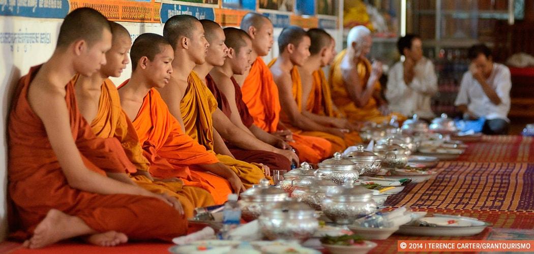 Pchum Ben Ancestors Festival, Battambang, Cambodia. Copyright 2014 Terence Carter / Grantourismo. All Rights Reserved.