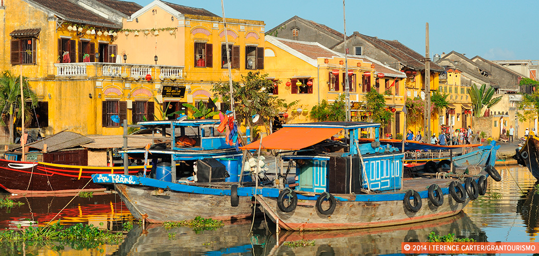 Hoi An old town, Hanoi, Vietnam. Copyright 2014 Terence Carter / Grantourismo. All Rights Reserved.