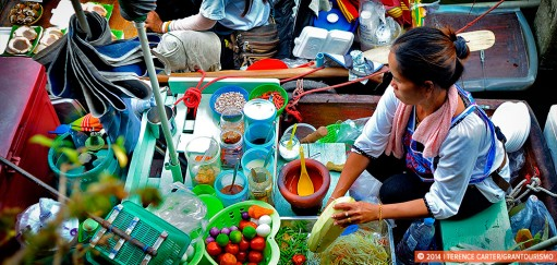 Best Bangkok Floating Markets for Foodies