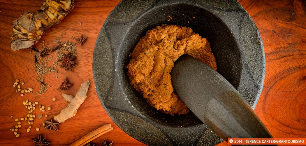 Cambodian Saramann Curry Paste. Copyright 2014 Terence Carter / Grantourismo. All Rights Reserved.