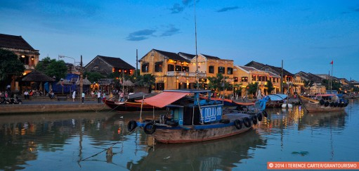 Dreaming of Dancing Boats, a Sunset Timelapse in Hoi An