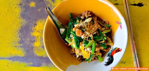 Footpath Feasting: Phuket Street Food in Phuket Town