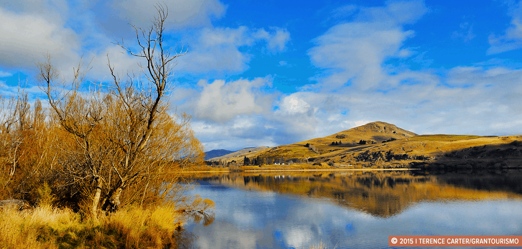 Queenstown, New Zealand. Copyright 2014 Terence Carter / Grantourismo. All Rights Reserved. Work With Us —Grantourismo.