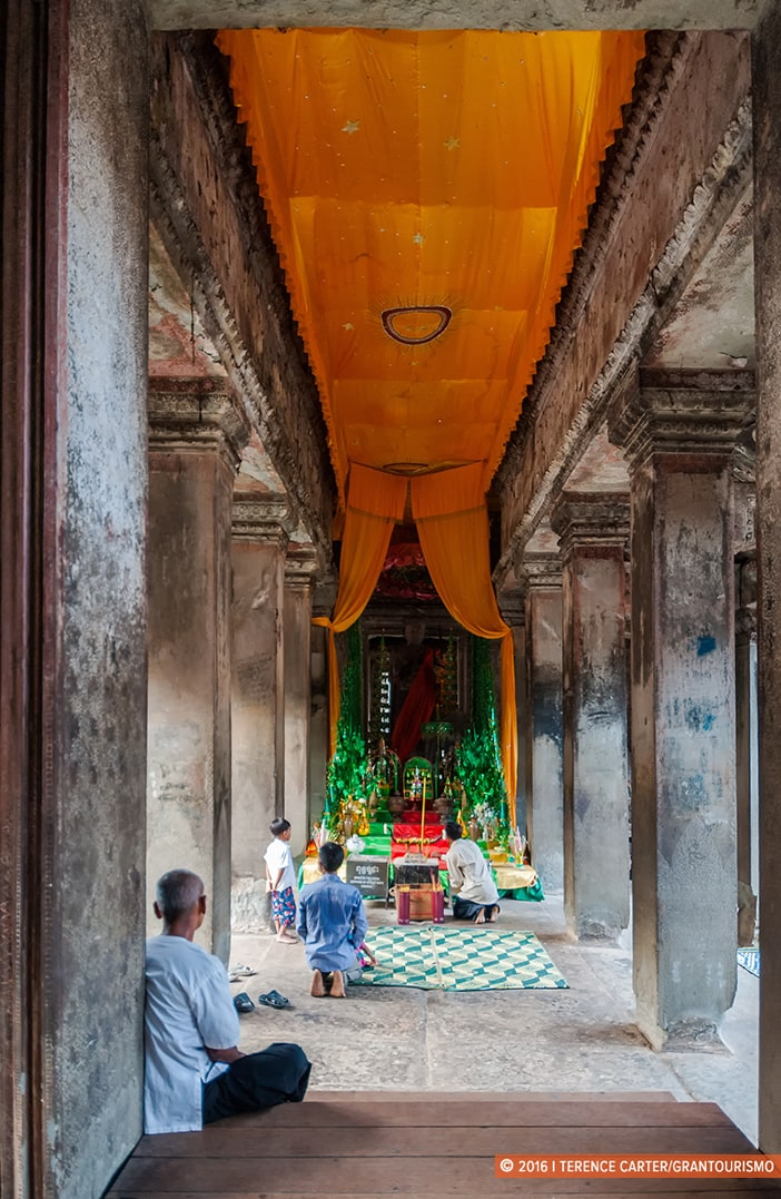 Temple inside Angkor Wat. Angkor Archaeological Park, Siem Reap, Cambodia. Copyright 2016 Terence Carter / Grantourismo. All Rights Reserved. Best Photography Equipment for the Angkor Wat Temples.