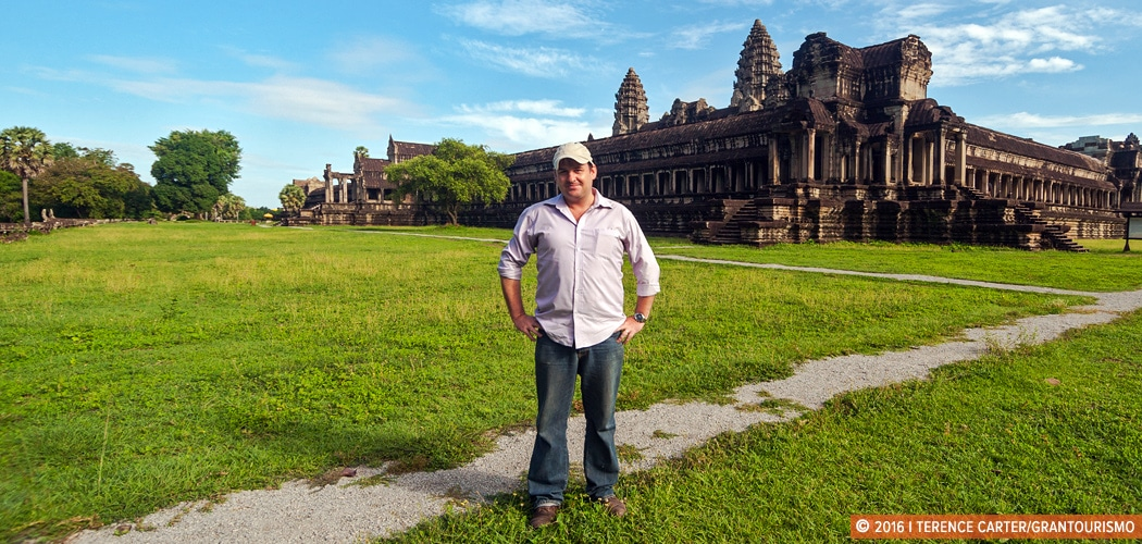 Dr Damian Evans at Angkor Wat, Siem Reap, Cambodia. Copyright 2016 Terence Carter / Grantourismo. All Rights Reserved. 2015 Cambodian Lidar Survey.