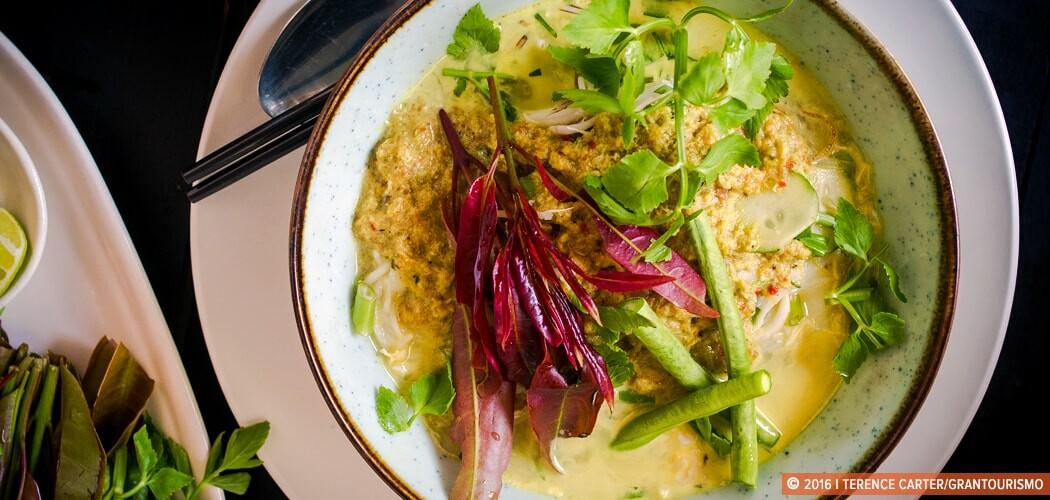 Classic Khmer breakfast noodles, nom banh chok, Siem Reap, Cambo
