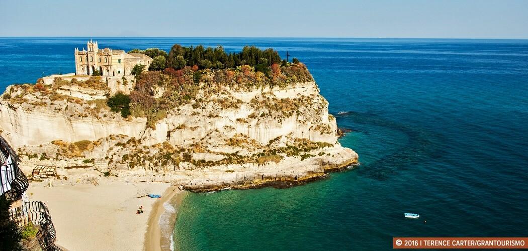 Santa Maria dell'Isola punctuates the small 'island' off Tropea,