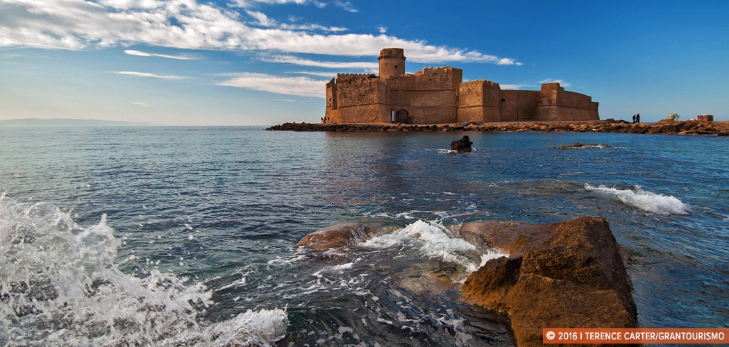 Le Castella: a splendid Norman castle that appears to float at sea, Capo Rizzuto, Crotone, Calabria, Italy. Copyright 2016 Terence Carter / Grantourismo. All Rights Reserved. Calabria Itineraries.