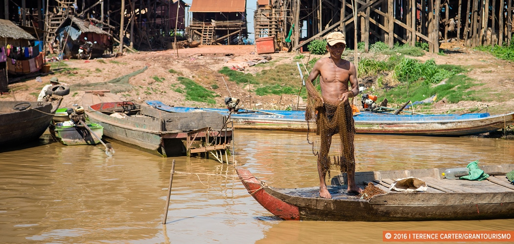 Floating Villages, Siem Reap, Cambodia. Copyright 2016 Terence Carter / Grantourismo. All Rights Reserved. travelling responsibly in Cambodia