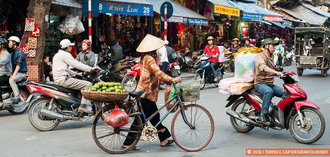 Hanoi Old Town, Vietnam. Copyright © 2016 Terence Carter / Grantourismo. All Rights Reserved. Weekend in Hanoi.