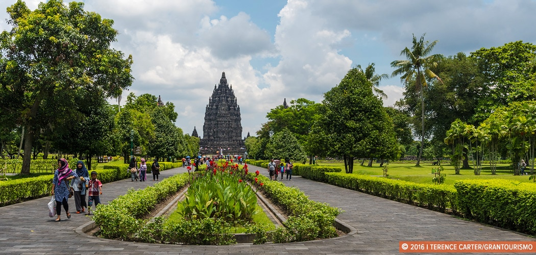 Prambanan Temple, Yogyakarta, Indonesia. Copyright 2016 Terence Carter / Grantourismo. All Rights Reserved.