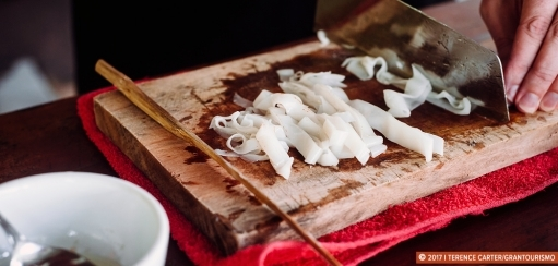 Vietnamese Fresh Rice Noodle Recipe – How to Make Rice Noodles for Pho and Pho Cuon