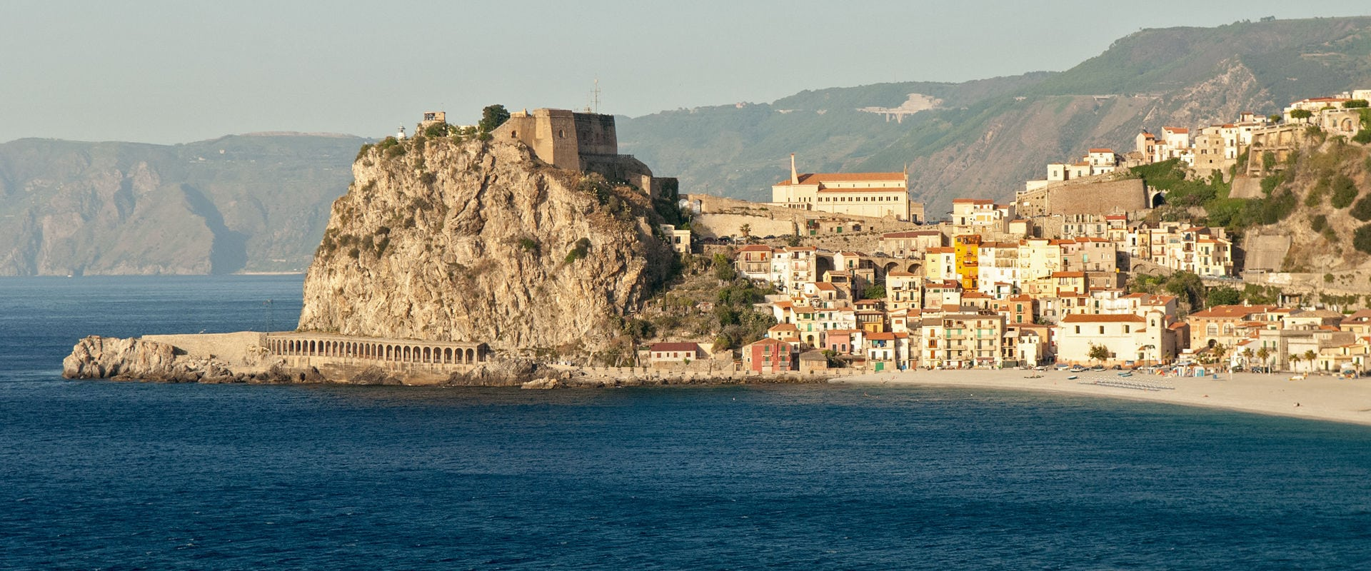 The Grantourismo Travel Guide to Calabria, Italy. Copyright © 2017 Terence Carter / Grantourismo. All Rights Reserved.