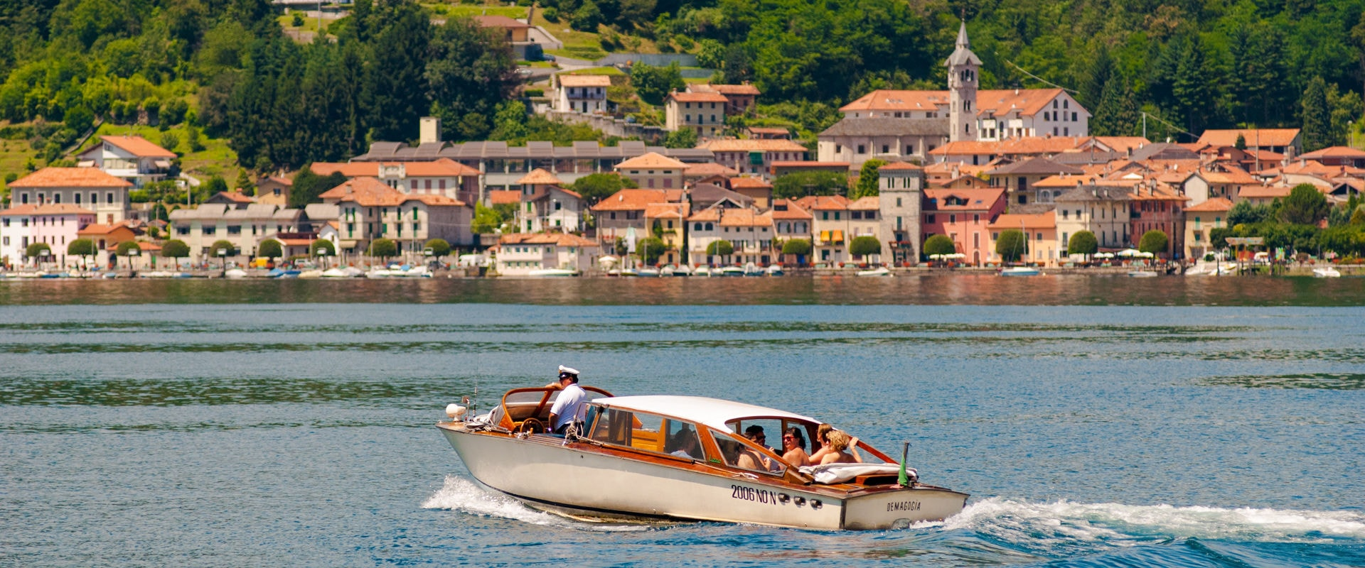 The Grantourismo Travel Guide to the Italian Lakes, Italy. Copyright © 2017 Terence Carter / Grantourismo. All Rights Reserved.