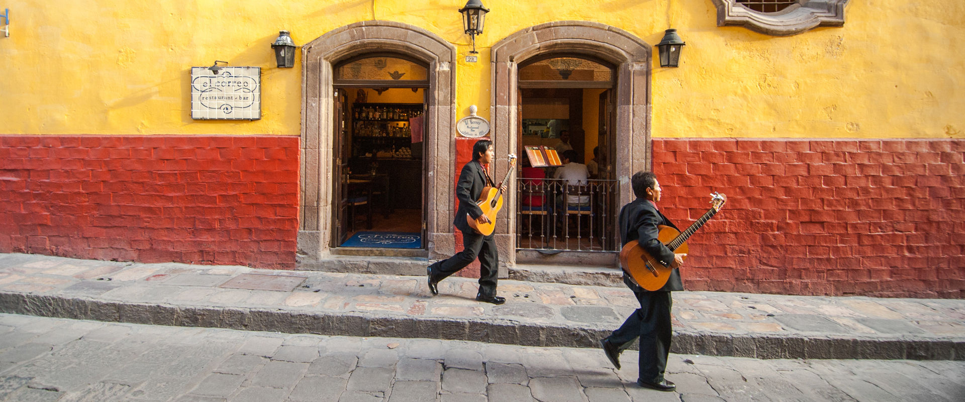 The Grantourismo Travel Guide to San Miguel de Allende, Mexico. Copyright © 2017 Terence Carter / Grantourismo. All Rights Reserved.