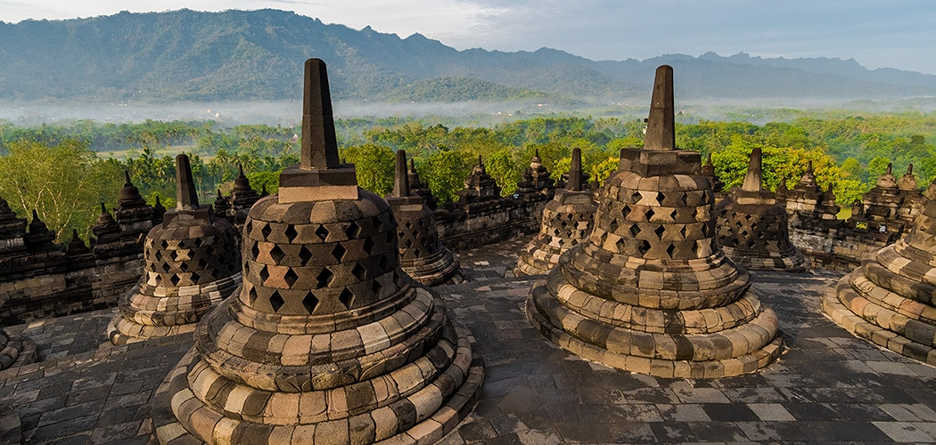 The Grantourismo Travel Guide to Java, Indonesia. Copyright © 2017 Terence Carter / Grantourismo. All Rights Reserved.