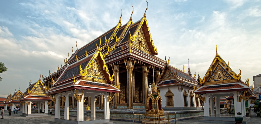One day in Bangkok Old City itinerary. The ubosot (main shrine) in Wat Phra Kaew in Bangkok, Thailand. Copyright 2018 Terence Carter / Grantourismo. All Rights Reserved.