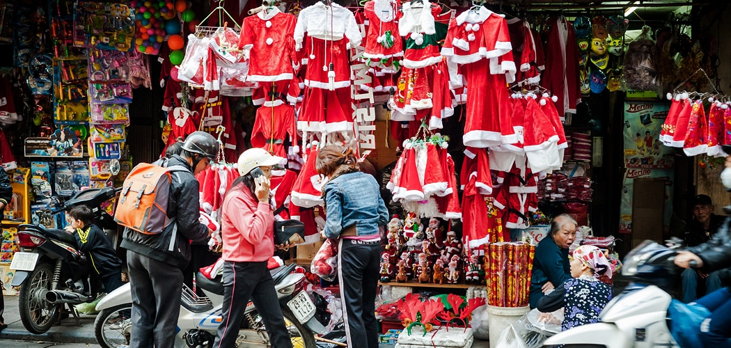 Christmas in Southeast Asia, Vietnam. Copyright © 2017 Terence Carter / Grantourismo. All Rights Reserved. Christmas in Southeast Asia.