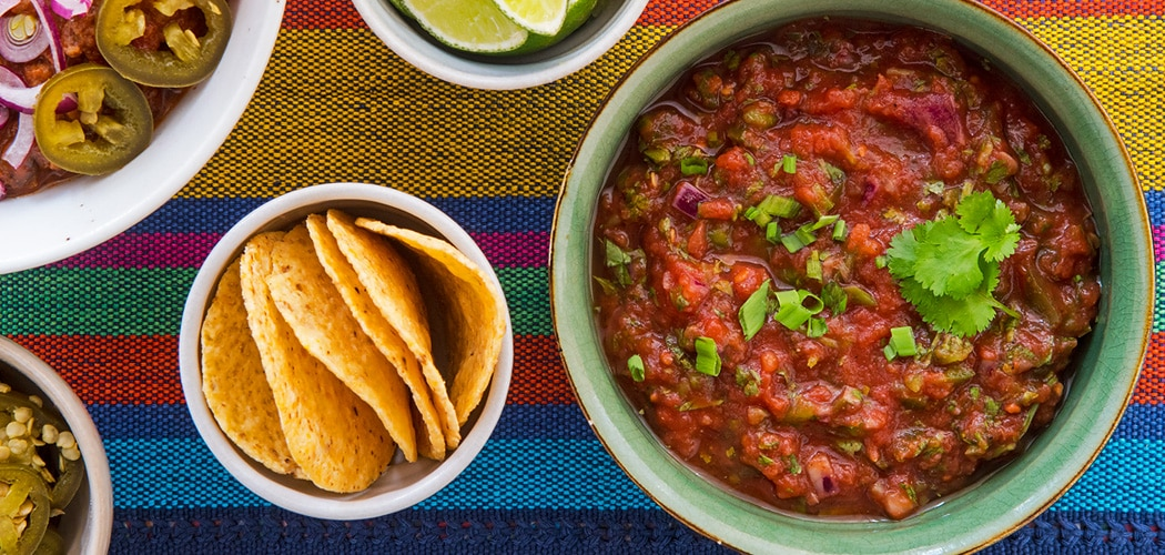 Easy Red Tomato Salsa Recipe. Copyright © 2018 Terence Carter / Grantourismo. All Rights Reserved.