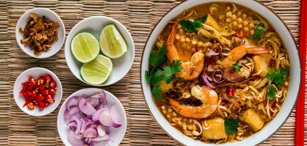 Singapore laksa recipe how to make a coconut curry noodle soup singapore laksa recipe forumfinder Image collections