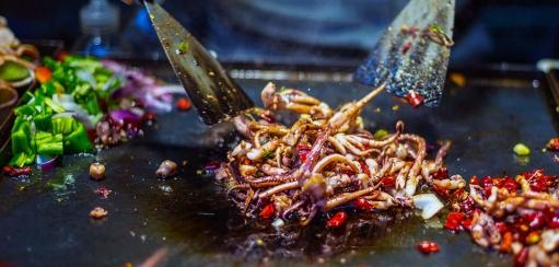 South Korea Food Tour – Savour Bulgogi and Bibimbap, Make Kimchi and More