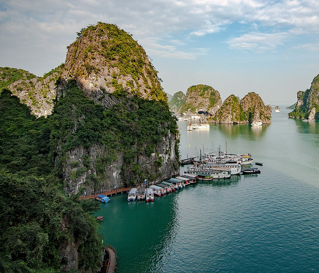 Halong Bay Cruise, Vietnam. Copyright © 2019 Terence Carter / Grantourismo. All Rights Reserved. Vietnam Cuisine and Culture Tour 2019.