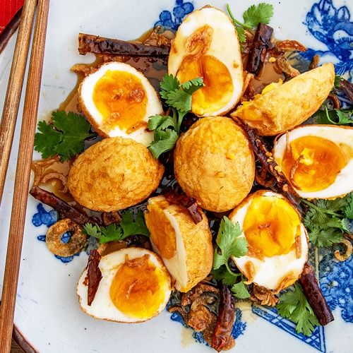 Thai Son-in-Law Eggs Recipe for Fried Boiled Eggs with Tamarind Sauce. Copyright © 2021 Terence Carter / Grantourismo. All Rights Reserved.