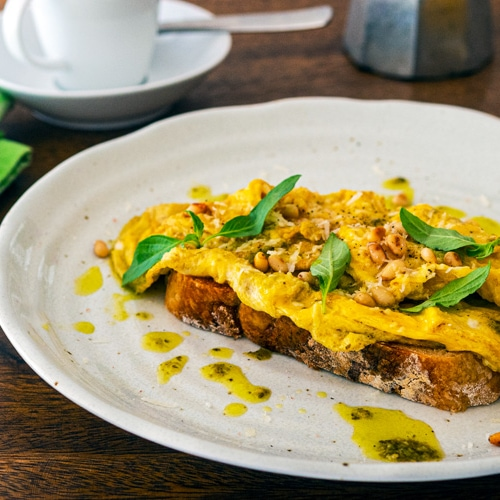 Pesto Scrambled Eggs Recipe. Copyright © 2021 Terence Carter / Grantourismo. All Rights Reserved.