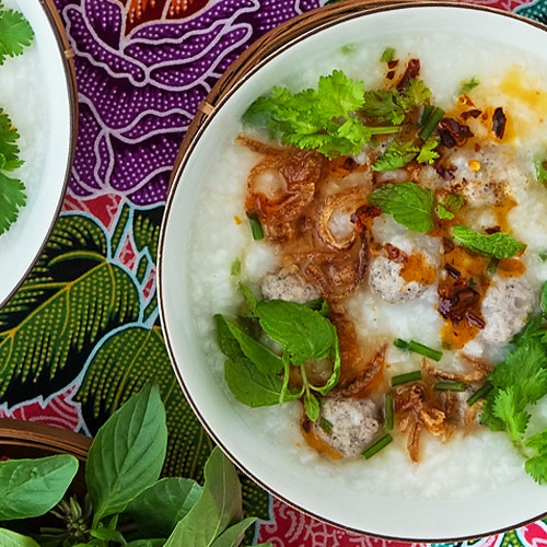 Cambodian Rice Soup Recipe with Pork Meatballs for Borbor Sor. Copyright 2021 Terence Carter / Grantourismo. All Rights Reserved.