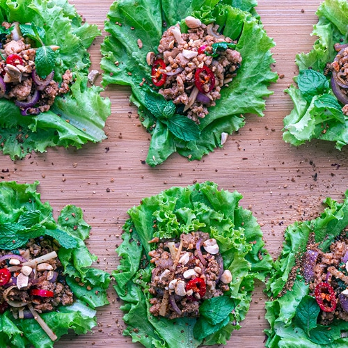 Spicy Chicken Lettuce Wraps Recipe for a Southeast Asian San Choi Bao. Copyright © 2021 Terence Carter / Grantourismo. All Rights Reserved.